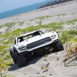 砂浜でラジコン! Axial Yeti Trophy Truck & Tamiya Sand Scorcher