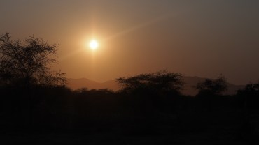 Sonnenaufgang am Fort Sesfontein