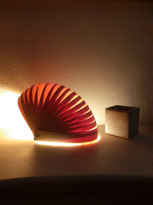 lampe à poser-nautilo rouge-transparence-ambiance