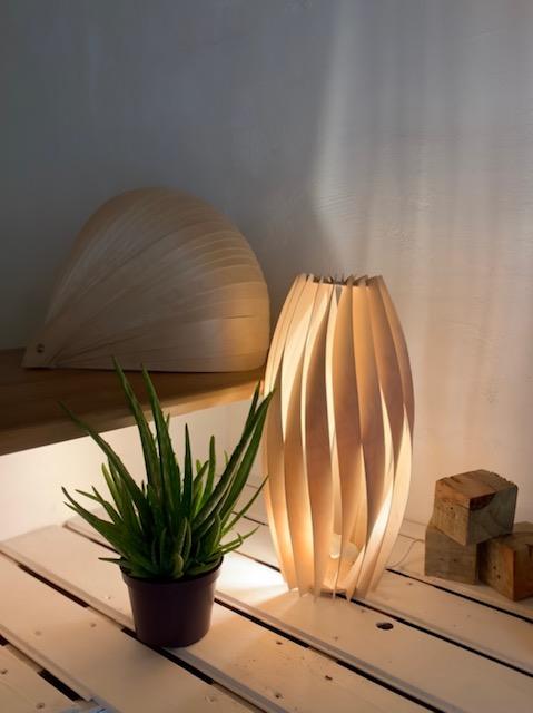lampe-bois-lames-lumière-transparence-art-artisanat-ambiance-relax-zen-fait-main
