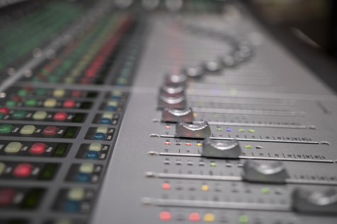 recording-3939906_1920.jpg