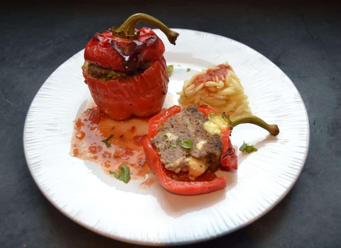 gefüllte-paprika-mit-hackfleisch-und-feta-kochen-aus-liebe