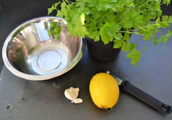 Gremolata Petersilie , Knoblauch und Zitronen Zesten