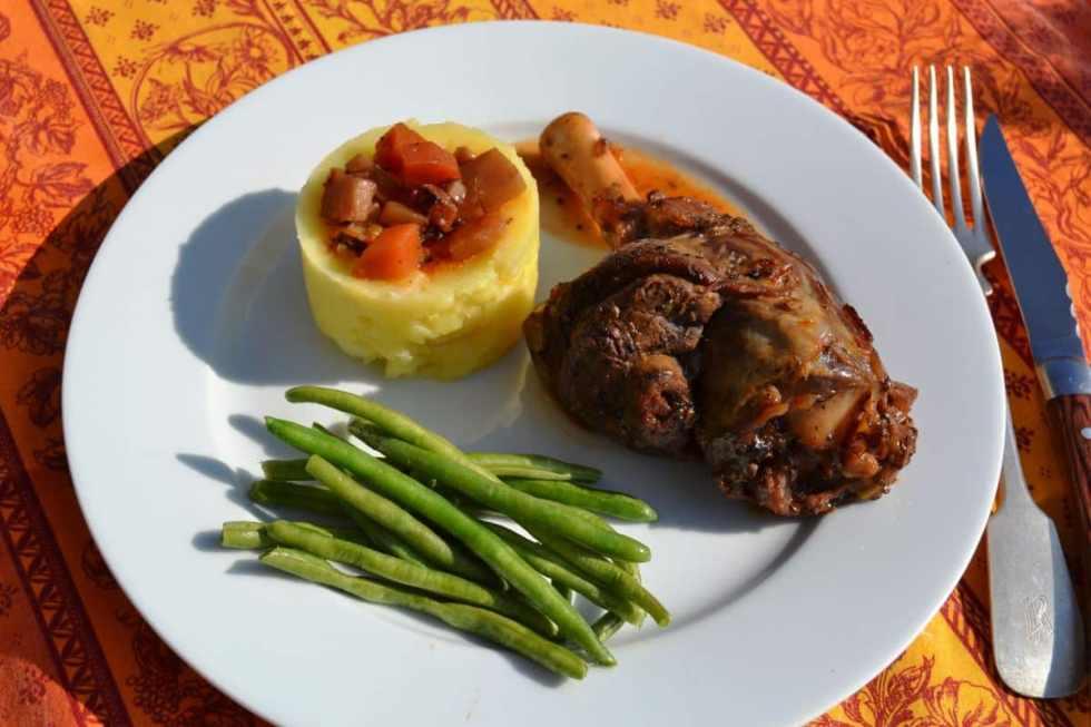 lammstelzen- geschmort-in-rotwein-kochen-aus-liebe