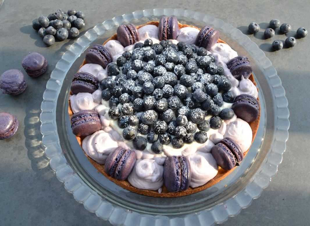macaron-torte-mit-blaubeeren-