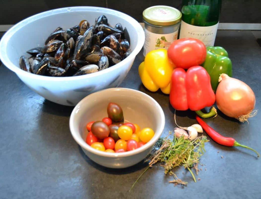 muscheln miesmuscheln mediterran rezept kochen aus liebe. Black Bedroom Furniture Sets. Home Design Ideas