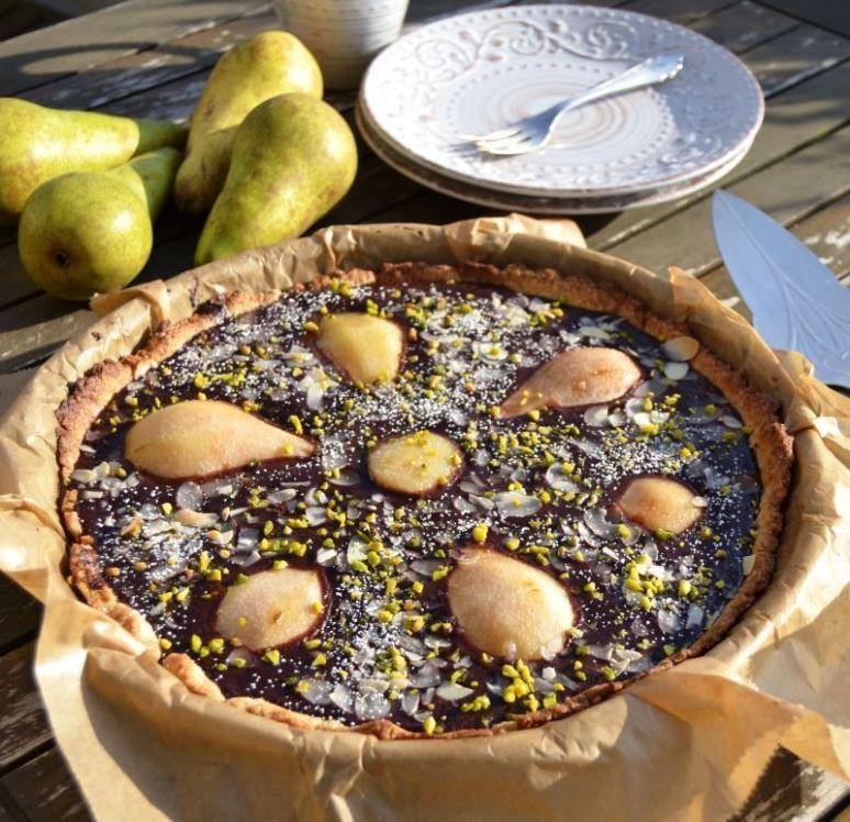 Birnen-Schokoladentarte mit Mandeln und Pistazien