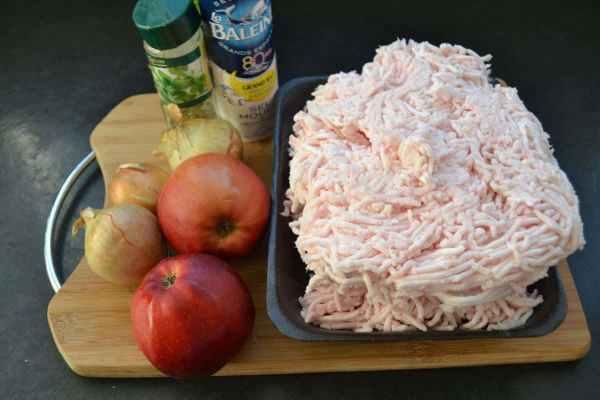 Omas Griebenschmalz mit Äpfeln und Zwiebeln