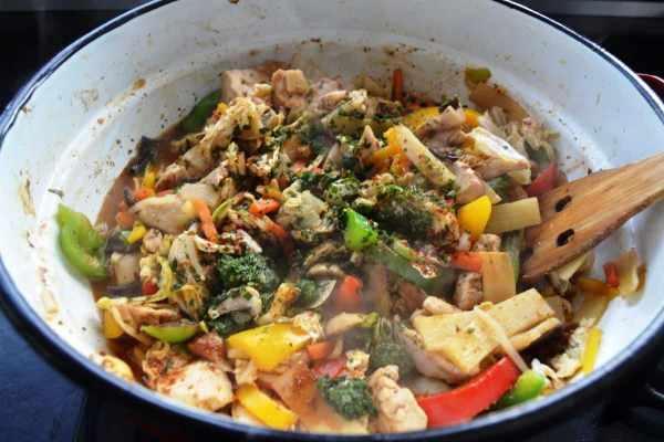 wok-gemüse-mit-hähnchen-