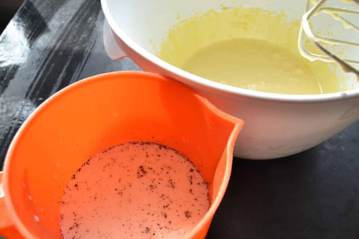 Vanillemilch und Eiercreme