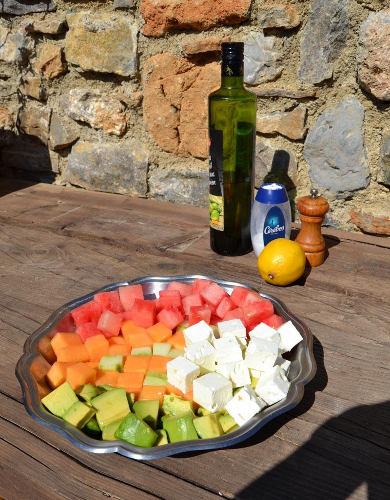 Melonen,Gurken , Feta und Avocadowürfel