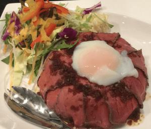 【川村ダイニング】自家製ローストビーフをたっぷり使った「ビフめし」がオシャレで美味い!
