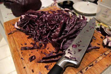 Küchenschlacht: das Schnippel hinterlässt ganz schön Spuren in der Küche