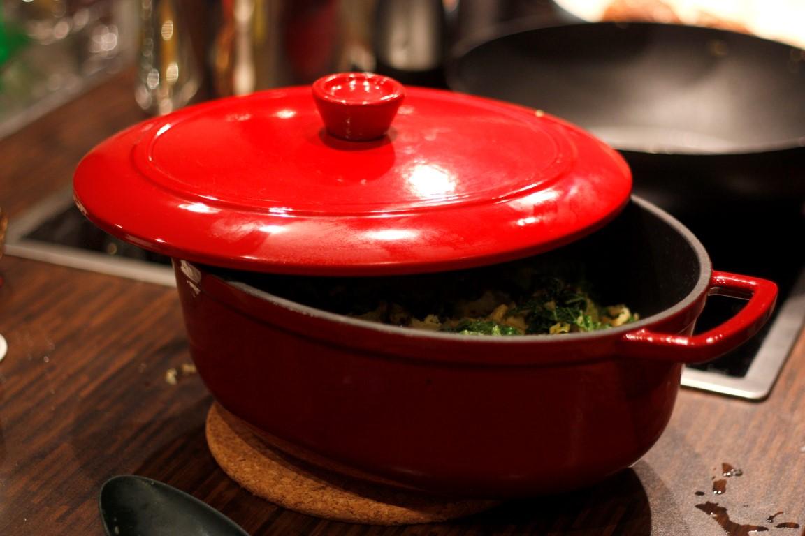 Gusseisen ist wohl das bewährteste Material für Kochgeschirr