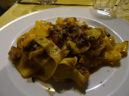 Pappardelle mit Wildragout (Osteria Baralla, Lucca)