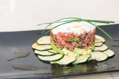Lachstatar auf Zucchini-Carpaccio 6