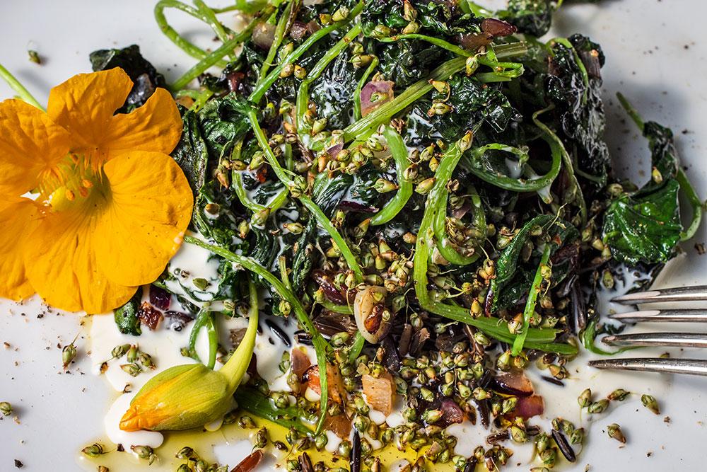 Gemüse mit Kapuzinerkresse