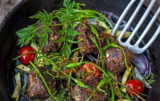 Fleischklößchen mit Wiesenkerbel