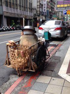 台湾の焼き芋屋台