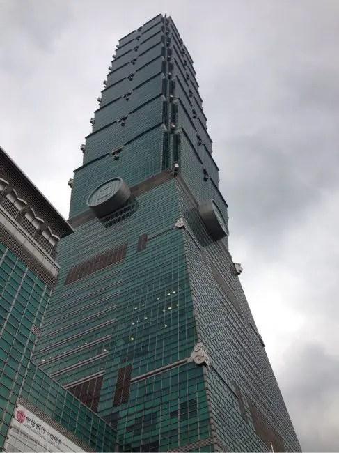 年末ですが、絶賛クリスマス中の台北101に到着。鼎泰豊ディナー。
