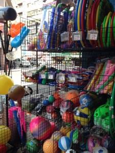 華陰街・太原路・長安西路問屋街玩具屋