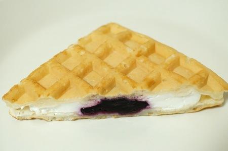 もちもちワッフル ブルーベリー&チーズ