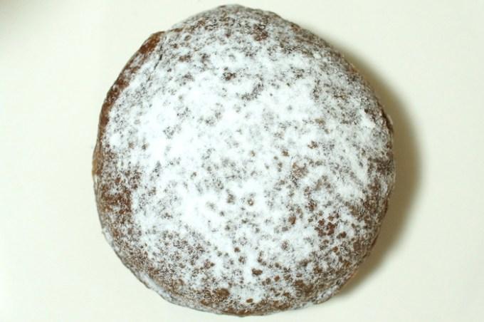 ココアドーナツ(ホイップクリーム入り)