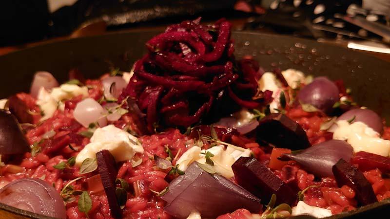 Rødvinsrisotto med rødbede og brie