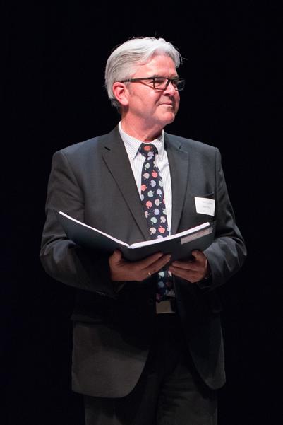 Kulturpaten-Vorstand Gerd Conrads weist darauf hin, dass der Verein mehr Fördermitglieder braucht. Die Antragsformulare hat er gleich mitgebracht.