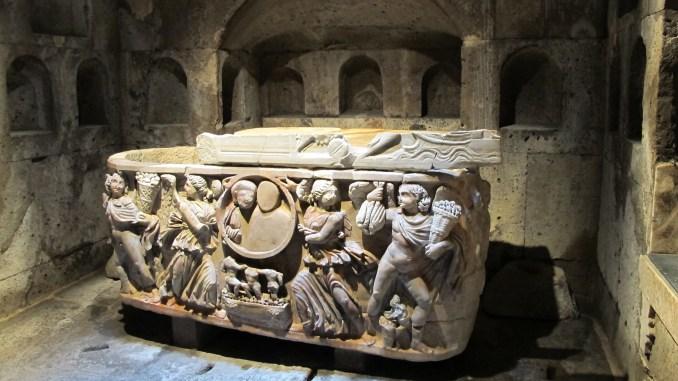 In Köln-Weiden steht dieses Römergrab