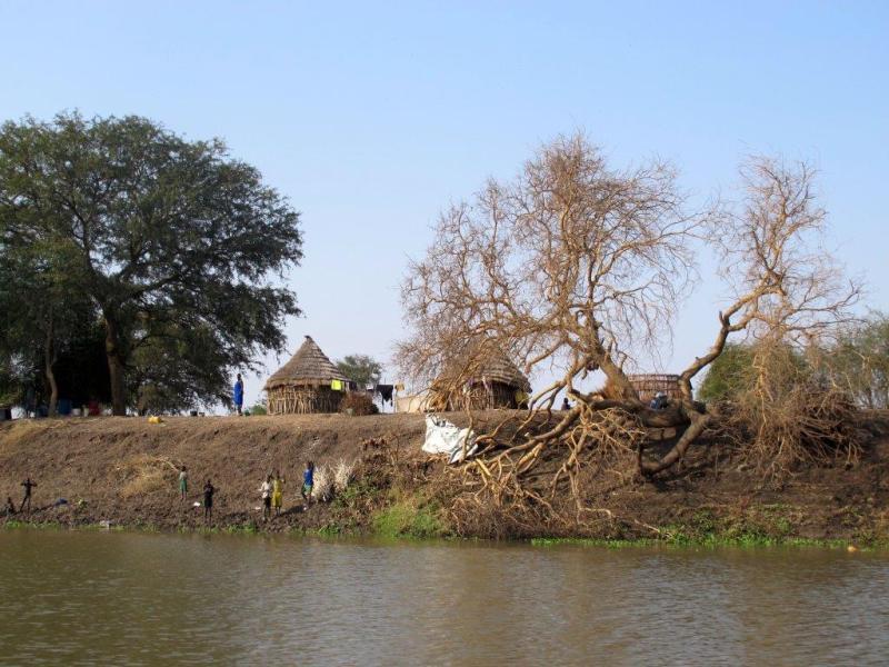 Langs de Akobo rivier