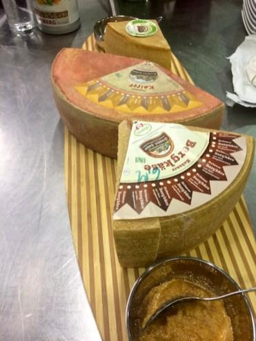 Bergkäse und Schnittkäse der Sennerei Huban bei der Küchenparty von Heidis Exquisit Catering