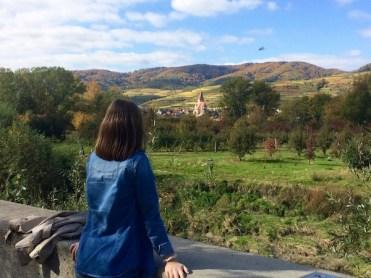 Saskia Lohs genießt die herbstliche Farbenpracht in der Wachau
