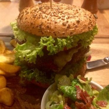 Bergkäse Spezial vom Mooshof Greber im Reh Burger des Klein Steiermark