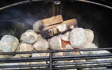 Kohle mit Aromaholz
