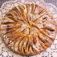 Omas Apfelkuchen mit Mandeln - fein und lecker