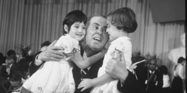 Kur shqiptarët besojnë 80 vjet më pas, Enver Hoxhën për rezistencën ndaj italianëve
