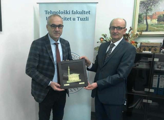 Dekani i FTUU-së Prof. Dr. Xhezair Idrizi i ftuar special në shënimin e 60 vjetorit të themelimit të Fakultetit të Teknologjisë së Universitetit të Tuzllës