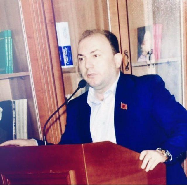 Artistët e kombit në mbështetje të kryeministrit të parë shqiptarë në RMV