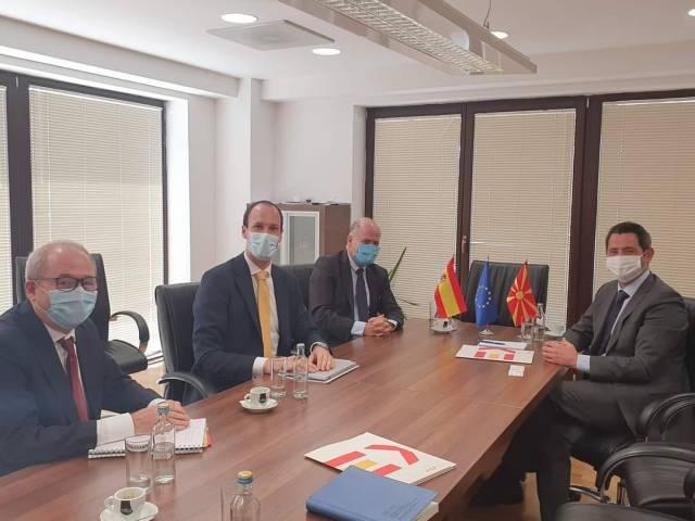 Ministri Nuredini pret në takim ambasadorin spanjoll: Punojmë me ritëm të përshpejtuar drejt përmbushjes së standardeve mjedisore europiane