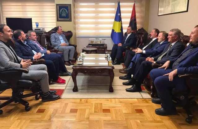 Myftiu Naim ef. Tërnava,  priti në takim Myftiun e Tetovës, Qani ef. Nesimin i cili shoqërohej nga drejtori i Diasporës, Selver ef. Xhemaili