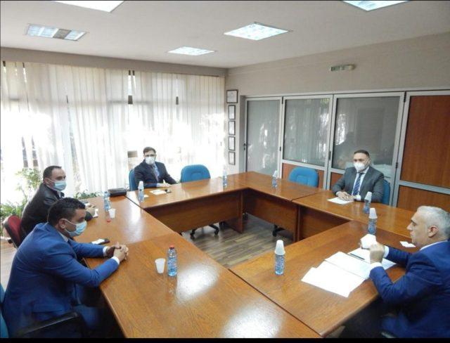 Linja hekurudhore, drejtori Halili pret në takim zv.ministrin shqiptarë Shkreli dhe drejtorin Durmishi