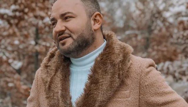 Kujt i thotë Kisha dashtë, këngëtari Afrim Shkodra?