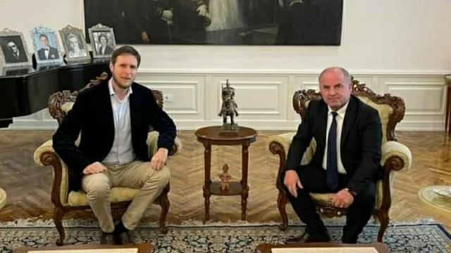 Takim zyrtarë me Princin Leka II – Axhami e informon për bisedimet me Bashën