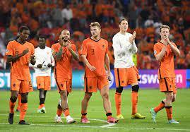 Kombëtarja e Holandës siguroi vendin e parë në Grupin C