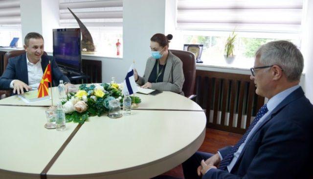 Zëvendësministri Hasani priti në takim ambasadorin e Finlandës, Lähdevirt