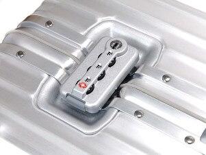 RIMOWA スーツケース フランクフルト空港 ワールドショップ トパーズ カギ