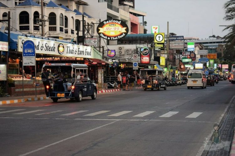 Pattaya Beach Road - Pattaya Beach - Pattaya Thailand - Pattaya Nightlife