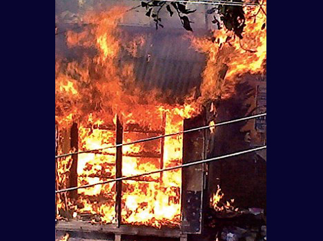 Malda violence: fire to bake bread in the political race