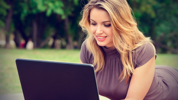 girl-chating-on-laptop